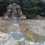 Строительство декоративного пруда с водопадом