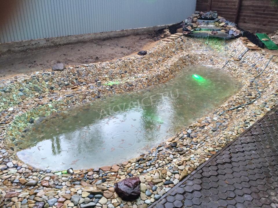 Строительство декоративного пруд с посветкой и водопадом